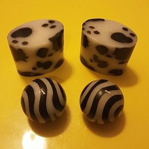 Other - Set of Four (4) Decorative Black & White Candles